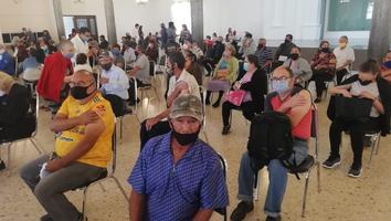 Inicia aplicación de la segunda dosis de la vacunaanticoviden El Carmen