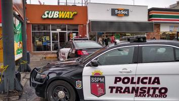 Hombres roban caja fuerte con 7 mil pesos en restaurante de San Pedro