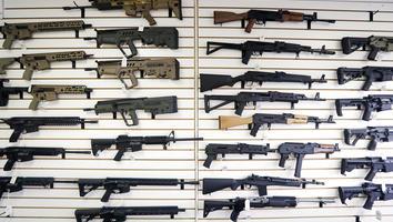 Republicanos buscan anular restricciones a tenencia de armas