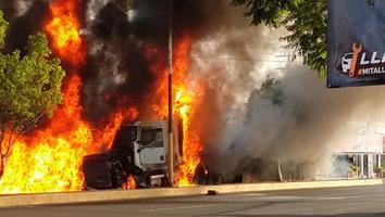 Camión sin frenos deja seis muertos y más de 15 heridos en Morelos