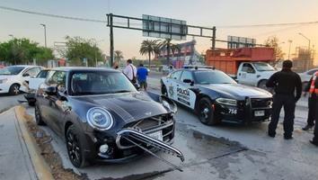 Carambola de 7 autos provoca tráfico sobre avenida Manuel L. Barragán