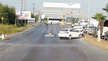 Muere motociclista atropellado por un camión en la carretera a Reynosa
