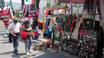 Covid-19 golpea las ventas de artículos conmemorativos a las fiestas patrias.