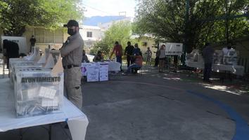Baja afluencia de personas en casillas para votar de la colonia San Ángel Sur y Contry