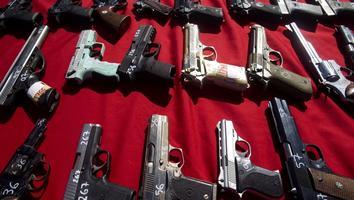 Gobierno de México demanda a fabricantes de armas de EU por comercio ilícito