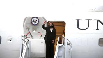 Kamala Harris regresa a EU tras gira de trabajo en México y Guatemala