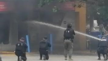 En Tijuana, hombre en situación de calle provoca incendio de una tienda de conveniencia